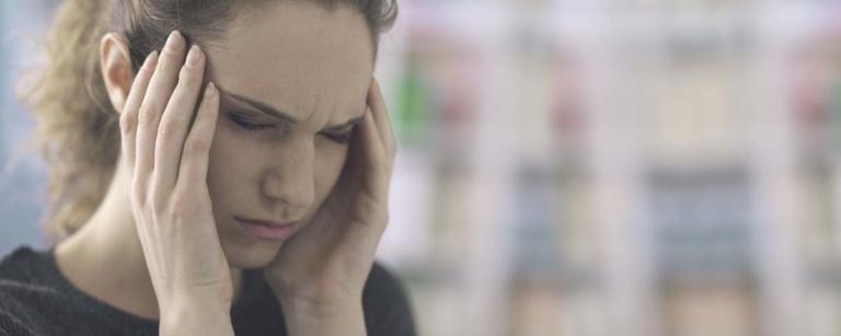 Migraine jeune femme